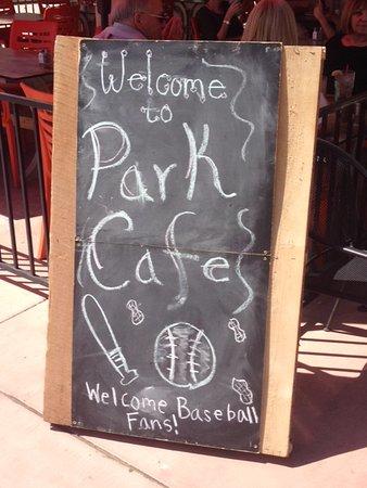 Park Cafe : Sign