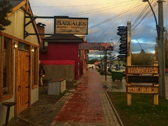 Cerveza Baguales: Front of the building