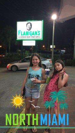 Flanigan's Seafood Bar & Grill : Super concept personnel très accueillante et super tarifs