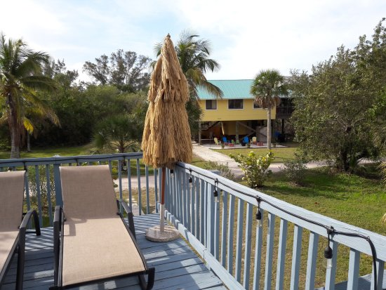 Little Gasparilla Island, FL: The deck for two, the day view