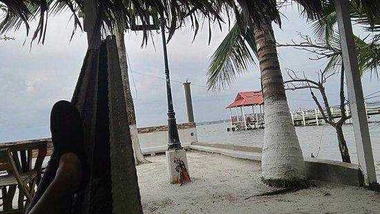 Playa Sand Bay: Bonita playa, un poco pequeña.