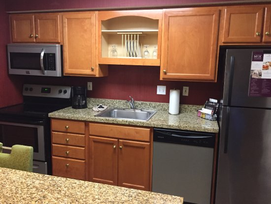 Vestal, NY: nice kitchen area