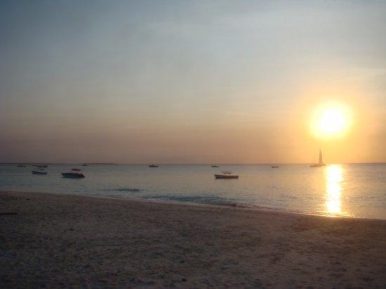 H h beach bungalows nungwi tanzania omd men och - Zanzibar medicine da portare ...
