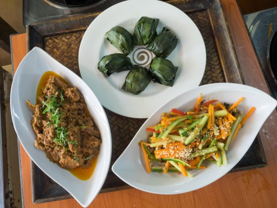 LaZat Malaysian Cooking Class: The dishes we learned: Beef Rendang, Acar Timun, & Kuih Koci