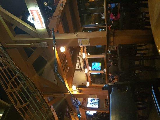 Elk and Oarsman Kitchen and Bar: 20170415_212702_large.jpg