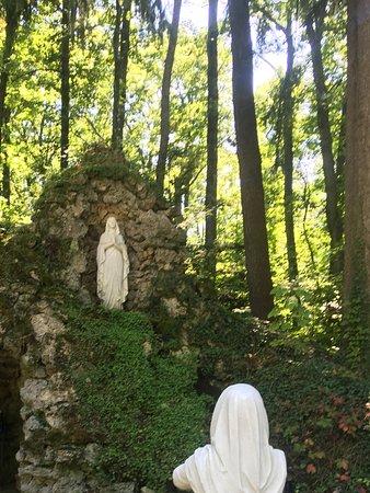 Bellevue, Οχάιο: Shrine of lourdes france
