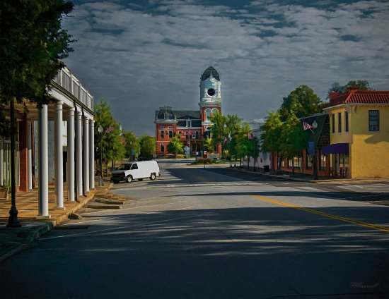 Monticello Street and a view of the Newton County Courthouse in Covington, GA.