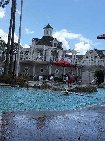 ديزنيز بيتش كلوب فيلاز: Disney's Beach Club Villas