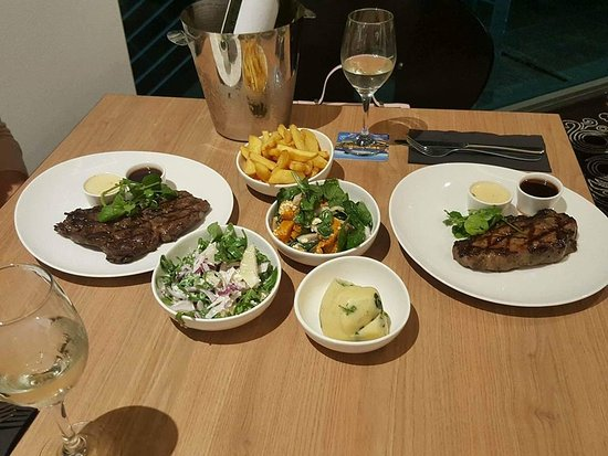 East Maitland, Αυστραλία: A delicious selection of Jack's Creek Steaks on offer with our tasty side dishes.