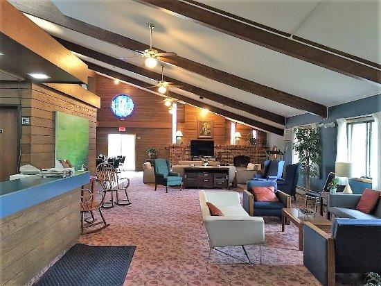 Monticello, Миннесота: Lobby