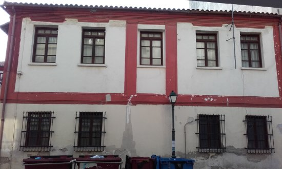 Building at St. George and Chatzikonstanti Zoidi Streets