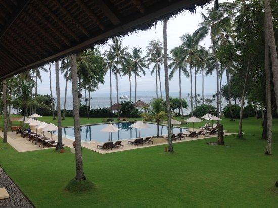 Alila Manggis: Direkte Sicht von Zimmer auf Pool und Meer