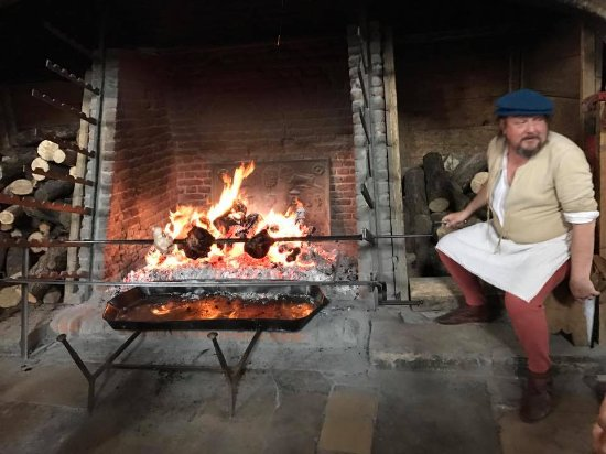 Hampton Court Palace: Meat cooking on the spit in the Tudor kitchens