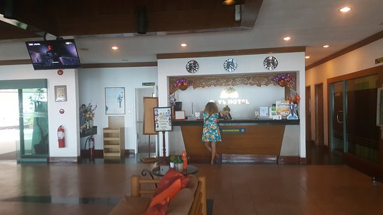 Days Hotel Tagaytay: TA_IMG_20170416_150935_large.jpg