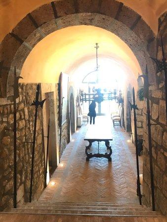 Roccalvecce, Italien: La antica armeria del castello, nei sotterranei