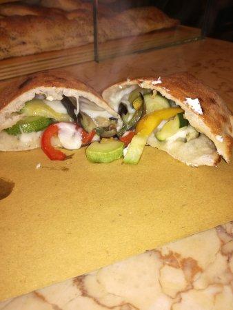 Vogogna, Itália: Al 39 Pizzeria Kebab Di El Saadi Abdel Hadi