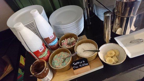 Scandic Ostersund Syd: Breakfast at restaurant