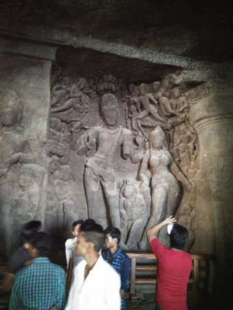 Elephanta Caves: Big carvings of gods