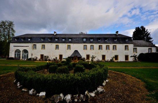 Hostellerie le prieure de conques chateaux et hotels for Bd du jardin botanique 50 bruxelles