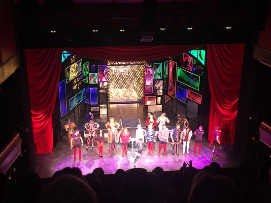 ‪Kinky Boots at Adelphi Theatre‬