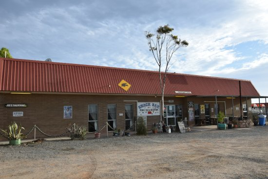 Eucla, Australia: Also for booking a site for the rv