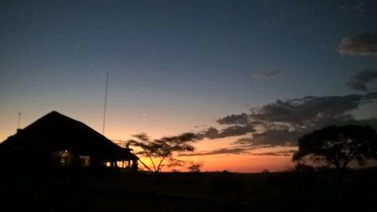 Solitaire, Namibia: Il tramonto dal tetto/terrazzo della nostra stanza