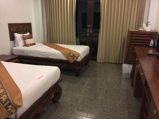 Poolsawat Villa: Third flor twin room