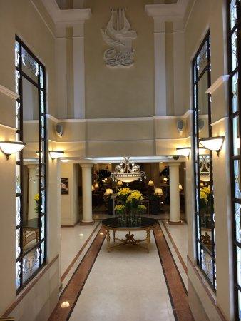 오페라 호텔 사진