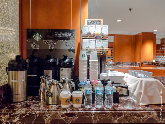 Burlingame, CA: Starbucks Coffee at Executive Lounge