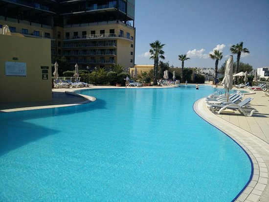 Room 1234 picture of intercontinental malta saint for Pool design malta