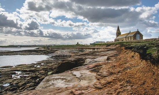 Newbiggin-by-the-Sea, UK: St Bartholimues Churc .