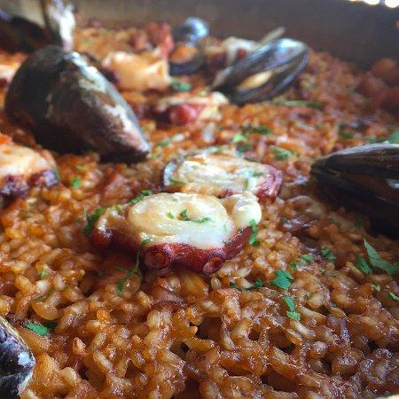 Restaurante la barraca barcellona barceloneta for Case vacanza barceloneta