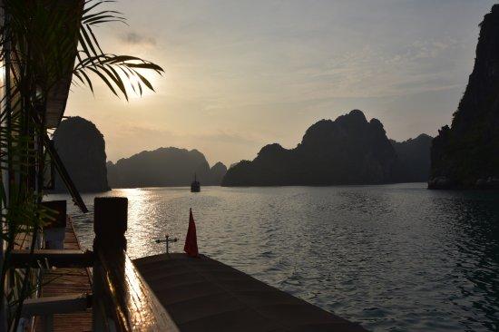 Bai Tu Long Bay: photo5.jpg