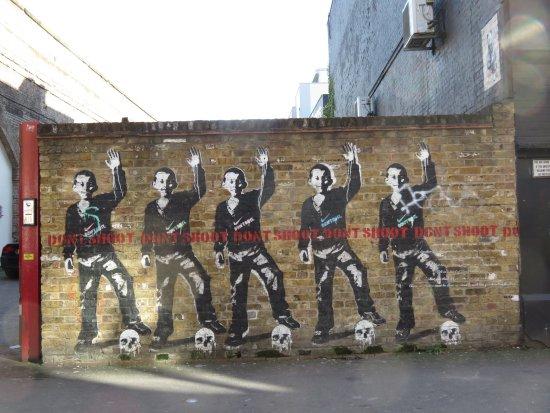 Super 20170315154718_large.jpg - Picture of Urban Street Art Tours RZ-97