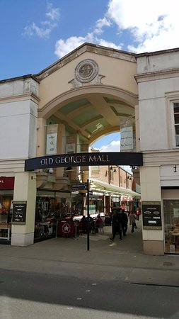 Salisbury, UK: Old George Mall