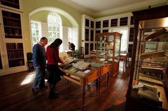 Library of Innerpeffray: The Georgian interior.