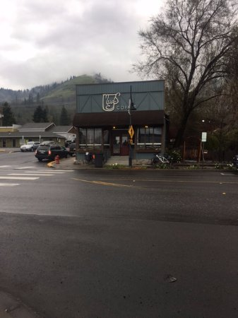Bingen, WA: view from across the street at Mugs