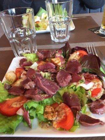Periers, Francia: salade landaise