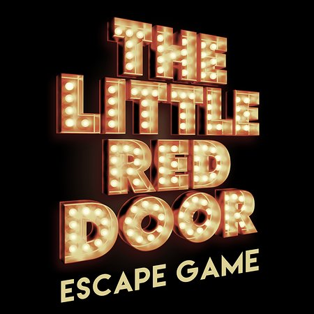 ‪THE LITTLE RED DOOR‬
