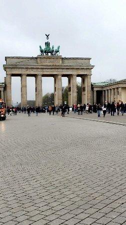Insider Walking Tour Of Berlin