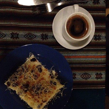 Restaurante Garni : Café armeño, y postres de Medio Oriente.