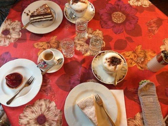 Bad Ragaz, Suiza: Torte fantastiche, servizio ottimo!