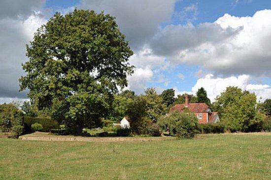 Cranbrook, UK: Godwin House Garden and Grounds