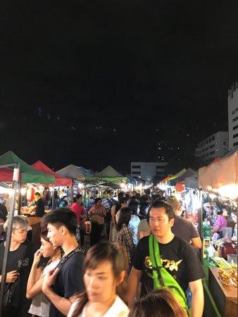 Ratchada Night Bazaar: photo2.jpg