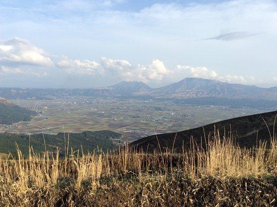 Takamori-machi, Japan: 根子岳の山の起伏から大仏を連想