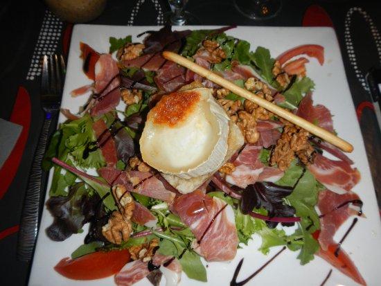 Saint-Gilles, Frankrike: Une salade