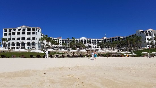 Hilton Los Cabos Beach & Golf Resort: Hotel taken from the beach