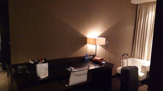 Bureau luxe kamer picture of van der valk hotel houten utrecht