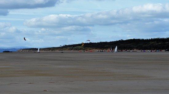 Pembrey, UK: Land yachts on the sands