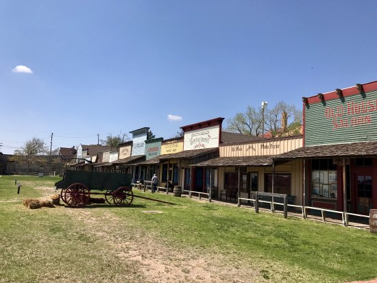 Boot Hill Museum | 500 W Wyatt Earp Blvd, Dodge City, KS, 67801 | +1 (620) 227-8188
